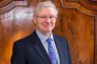 Head shot of Lord Nigel Crisp - 2018